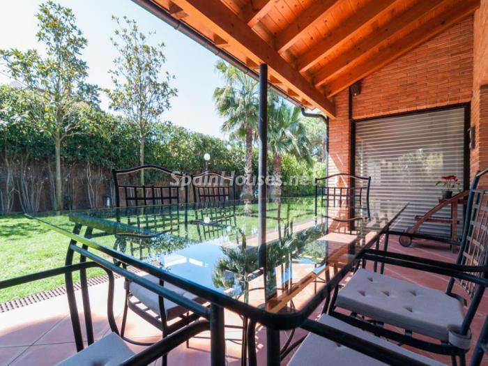terraza54 - Fusión de ambientes en una elegante casa en Castelldefels (Barcelona)