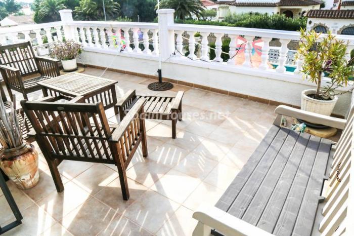 terraza70 - Una casa coqueta, navideña y confortable en Miami Playa (Costa Dorada, Tarragona)