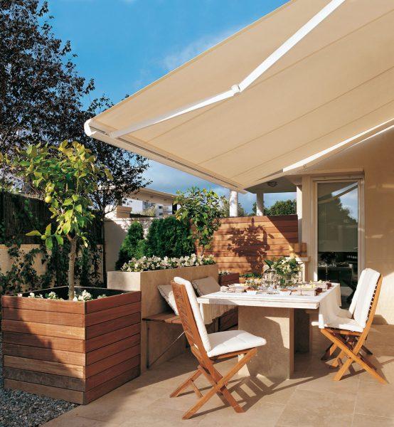 terraza con un toldo abierto 1182x1280 554x600 - La terraza perfecta sin importar el tamaño