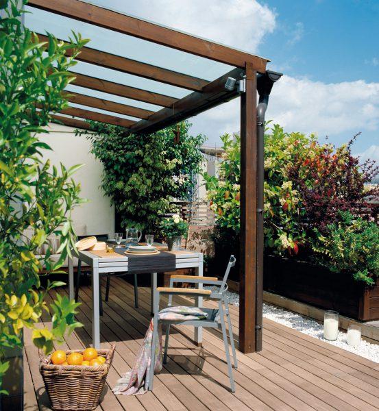 terraza con una pergola de madera 1180x1280 553x600 - La terraza perfecta sin importar el tamaño