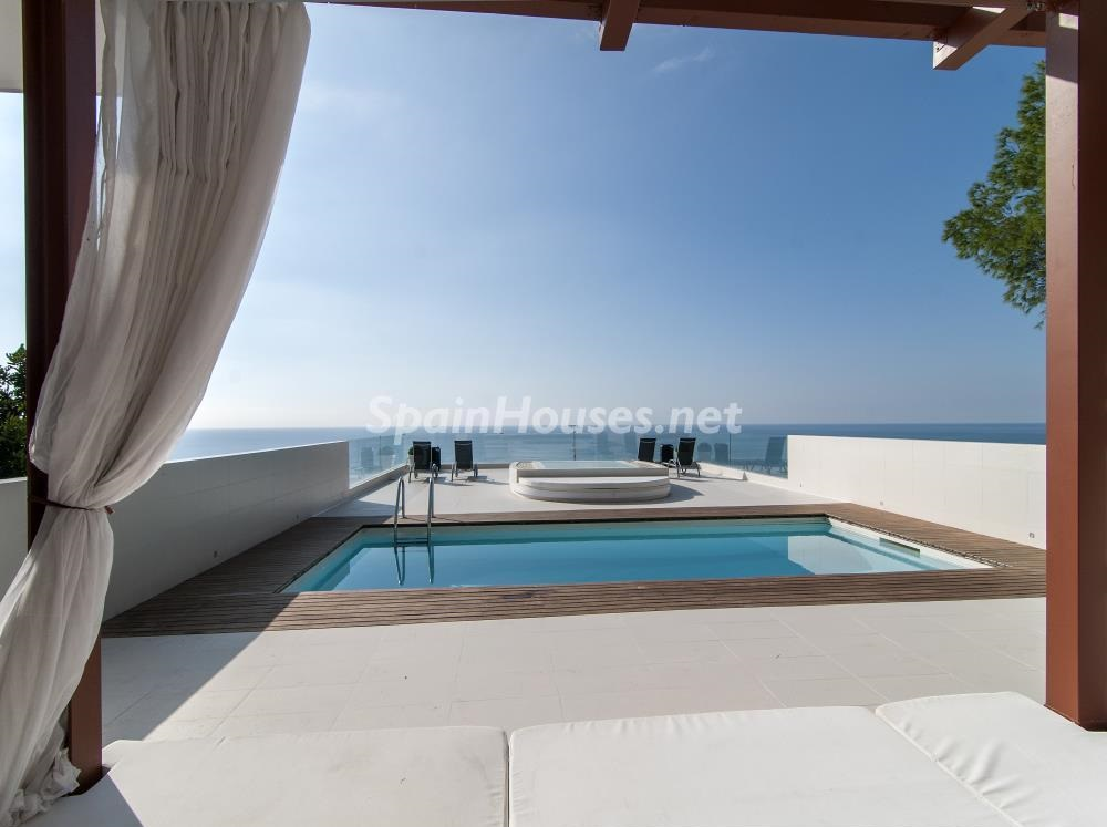 terrazaypiscina chillout1bis - Casa minimalista transparente, diáfana y abierta al mar en Castelldefels (Barcelona)