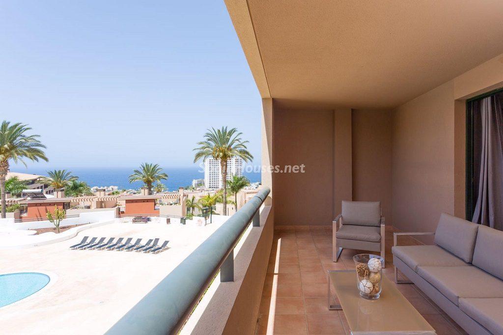 terrazayvistas 10 1024x682 - Sencilla simetría y vistas al mar en un apartamento en Playa Paraíso, Adeje (Tenerife)