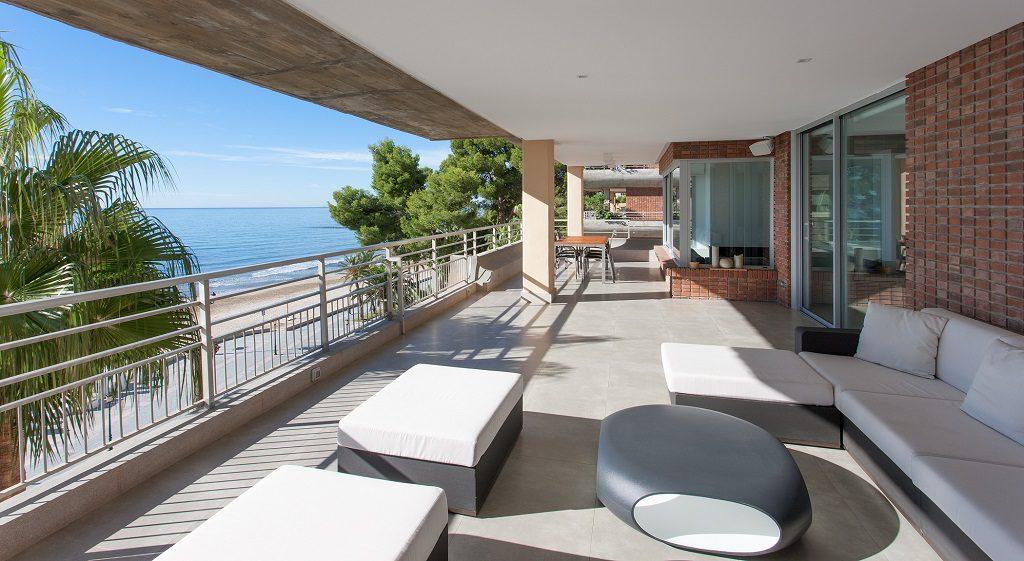 terrazayvistas 6 1024x561 - Piso en Benicasim (Castellón): serenidad sencilla y blanca junto al mar