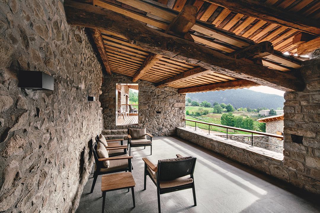 terrazayvistas - La calidez de la madera en una fantástica casa rehabilitada en La Cerdaña catalana