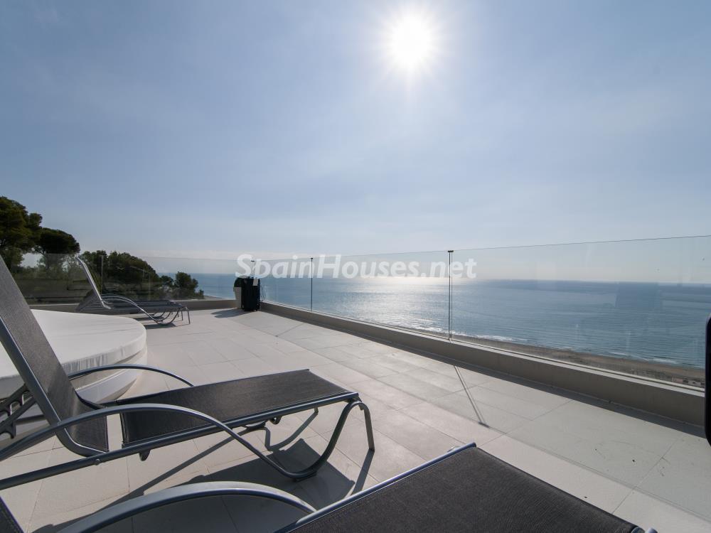 terrazayvistas3 1 - Casa minimalista transparente, diáfana y abierta al mar en Castelldefels (Barcelona)