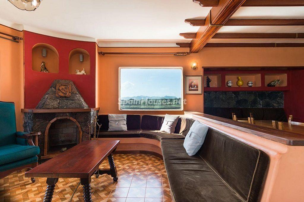 tias laspalmas 1024x682 - Calidez y chimeneas en 17 salones perfectos para disfrutar del invierno