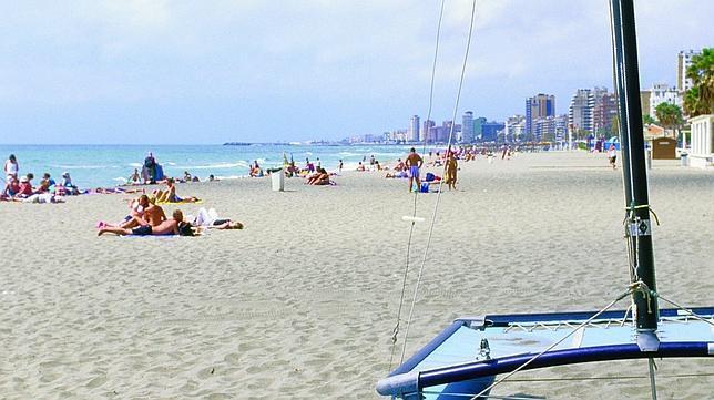 torreblanca fuengirola - 6 playas en la Costa del Sol para una escapada de vacaciones en Semana Santa