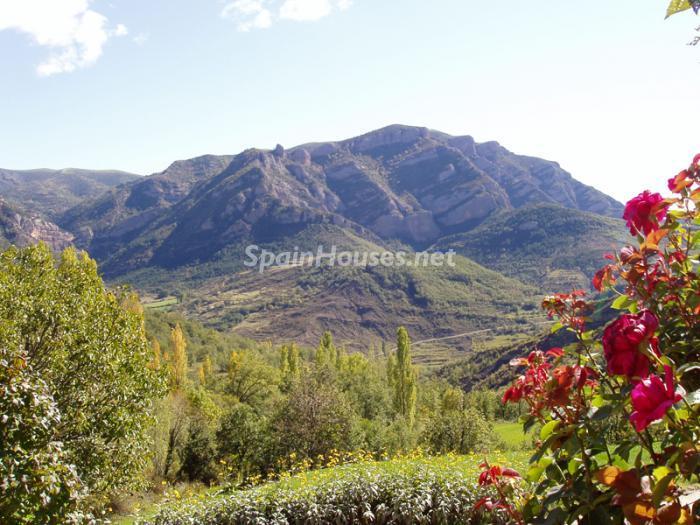 torredelaribera - Otoño y naturaleza en una preciosa casa tradicional en Ribagorza, el Pirineo de Huesca
