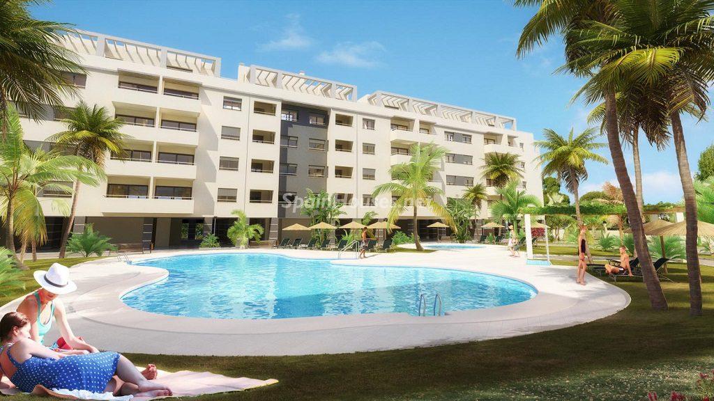torredelmar malaga1 1 1024x576 - Alicante y Málaga: 12 viviendas de obra nueva de 3 dormitorios por menos de 200.000 euros