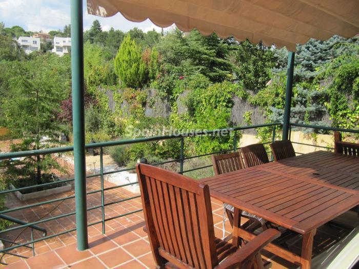 torrelodones madrid - Porches, calidez y bonitas terrazas: 10 preciosas viviendas en alquiler con un toque otoñal