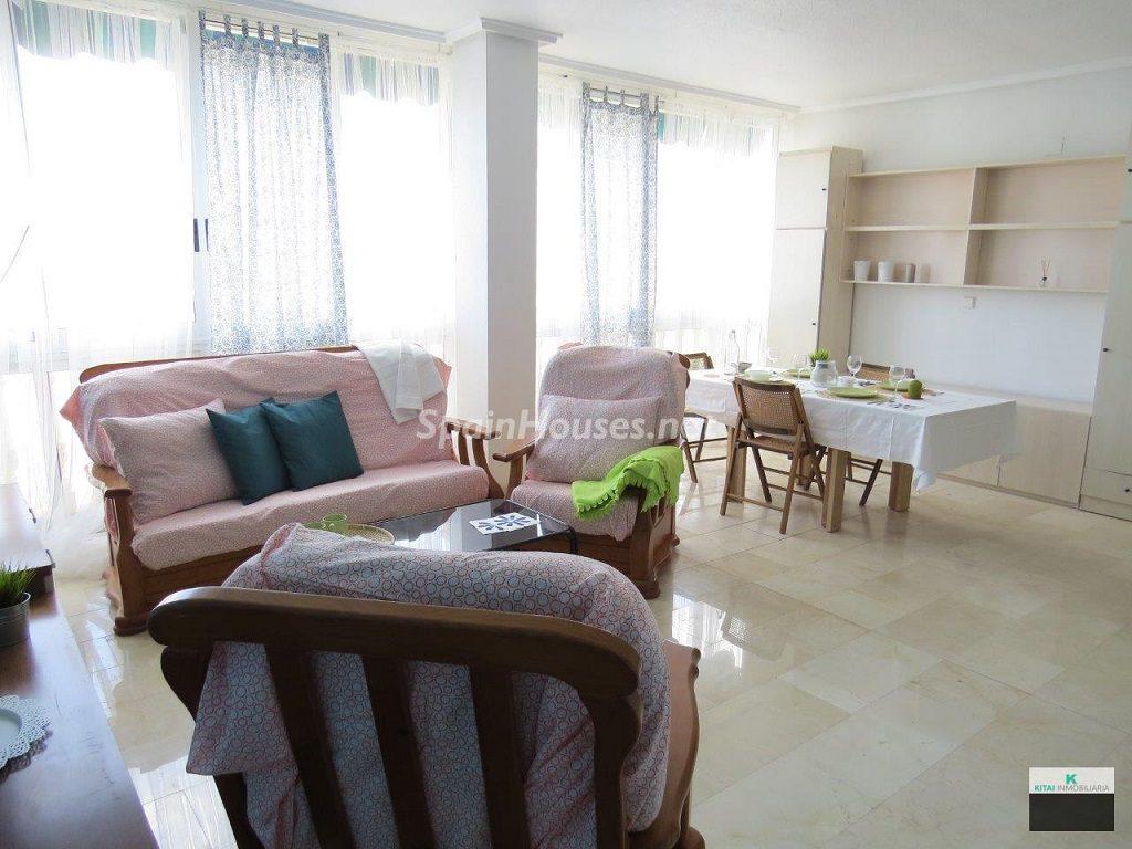 torrevieja alicante 3 1024x768 - ¡A la caza de gangas! 16 pisos de 1 dormitorio (y 1 casa) por menos de 50.000 euros