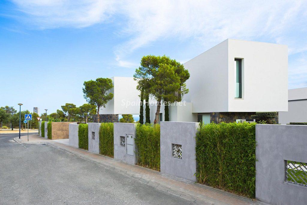 urbanizacion 3 1024x682 - Diseño contemporáneo a estrenar en una fantástica villa en Finestrat (Costa Blanca, Alicante)