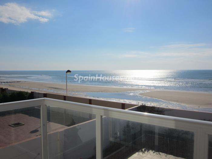 vacaciones matalascañas - 8 espectaculares casas en alquiler en la playa para unas geniales vacaciones junto al mar