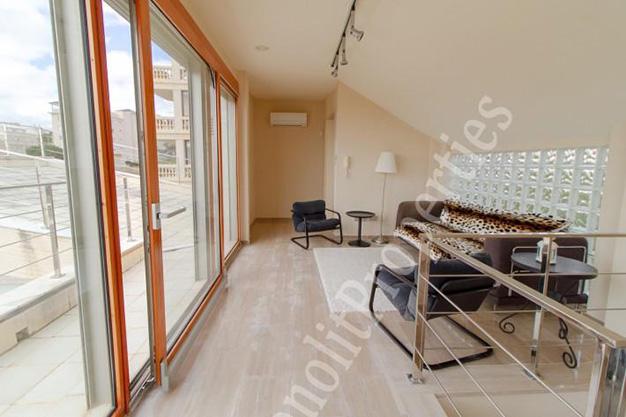 ventanal1 - La casa de tus sueños es este chalet de lujo en Alicante situado junto al mar