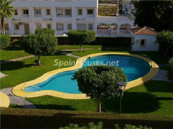 vera almeria 1 - 15 bonitos pisos de 3 dormitorios con jardines y piscina por menos de 150.000 euros