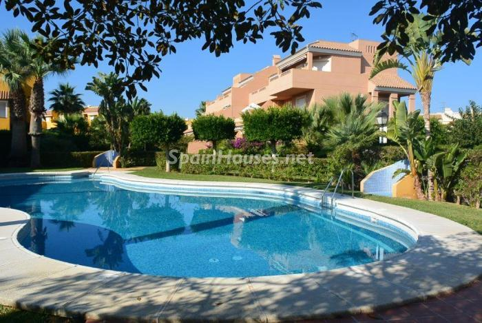 vera almeria 3 - 18 estudios, apartamentos y pisos de 1 dormitorio en la ciudad o cerca del mar