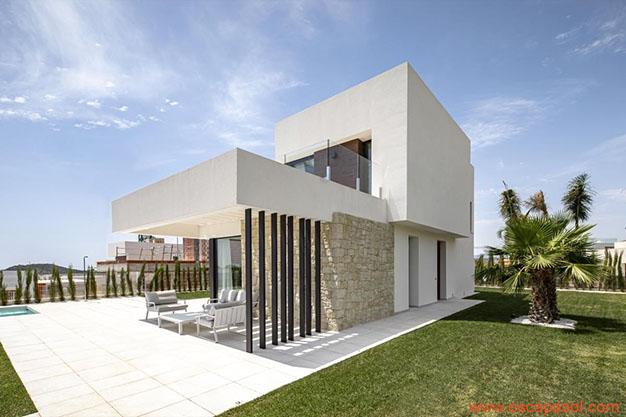 villa de lado casa con piscina Alicante - Descubre esta espectacular casa con piscina en Alicante