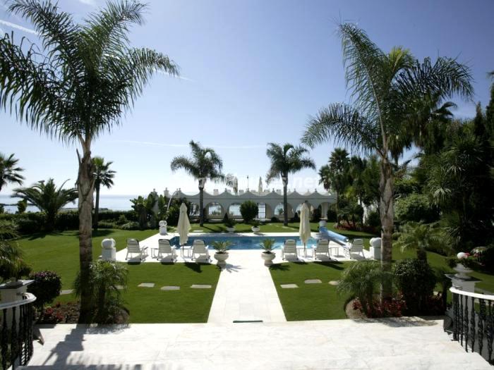 villa en venta en Marbella - Magnífica villa en venta en Puerto Banús, Marbella