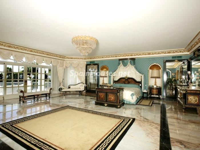 villa en venta en marbella 4 - Magnífica villa en venta en Puerto Banús, Marbella