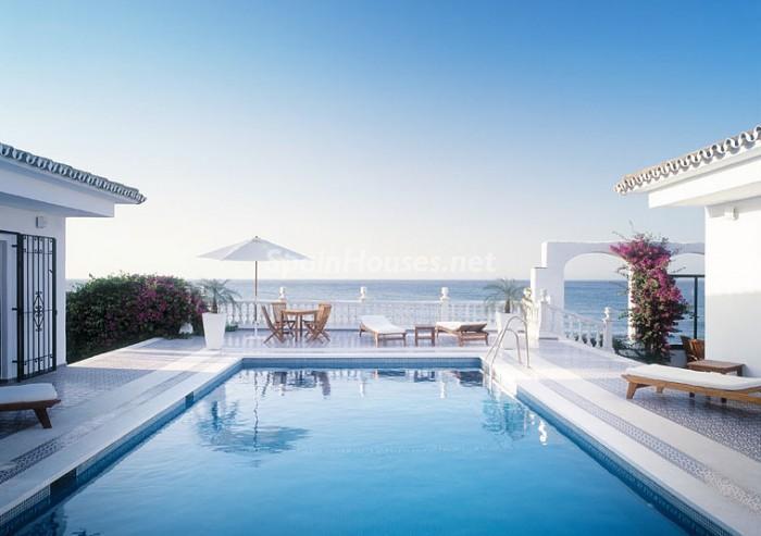 villa mijascosta - Sueños de verano: 14 espectaculares terrazas que miran al mar