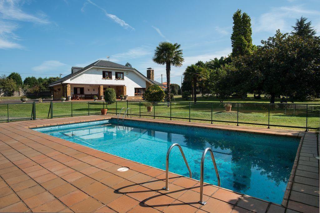 villaviciosa asturias 3 1024x683 - De verde y primavera: 18 espectaculares casas con un amplio y soleado jardín