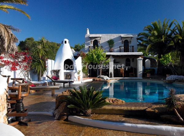 villaypiscina - Casa de la Semana: Fantástica villa de lujo con estilo y diseño ibicenco
