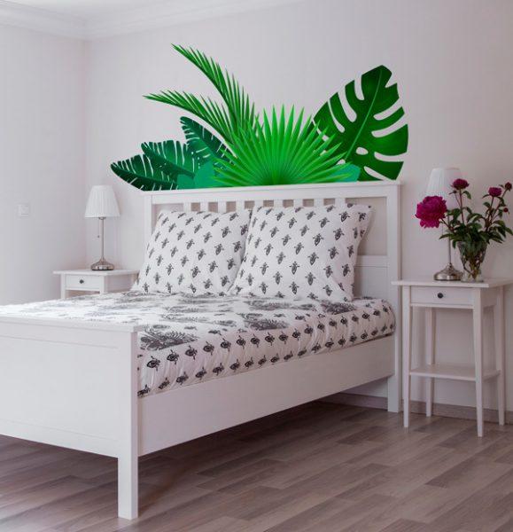 vinilo hojas tropicales de tenvinilo 579x600 - Decoración: Ideas para decorar con vinilos