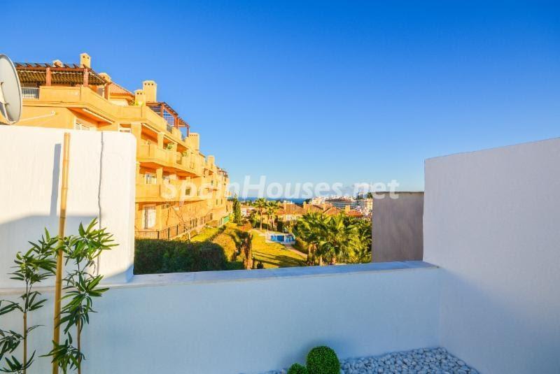 Terraza de luz en un genial ático en Riviera del Sol, Mijas Costa (Málaga)