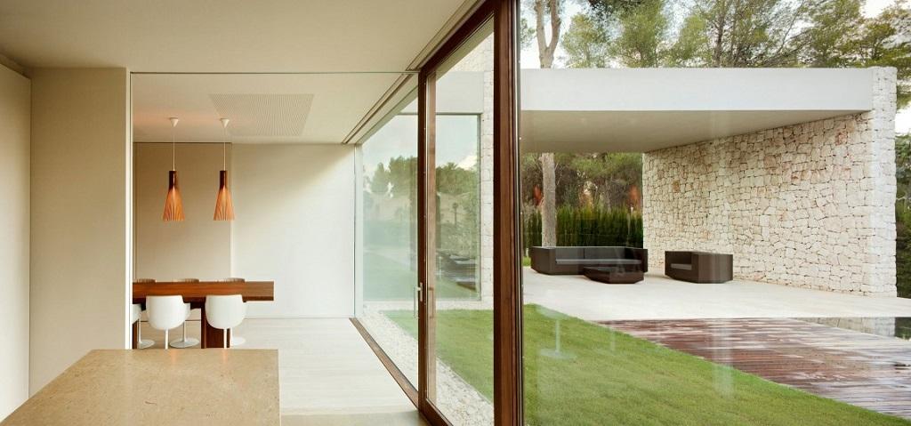 vistaexterior - Casa El Bosque (Chiva, Valencia): diseño moderno con distintos grados de intimidad