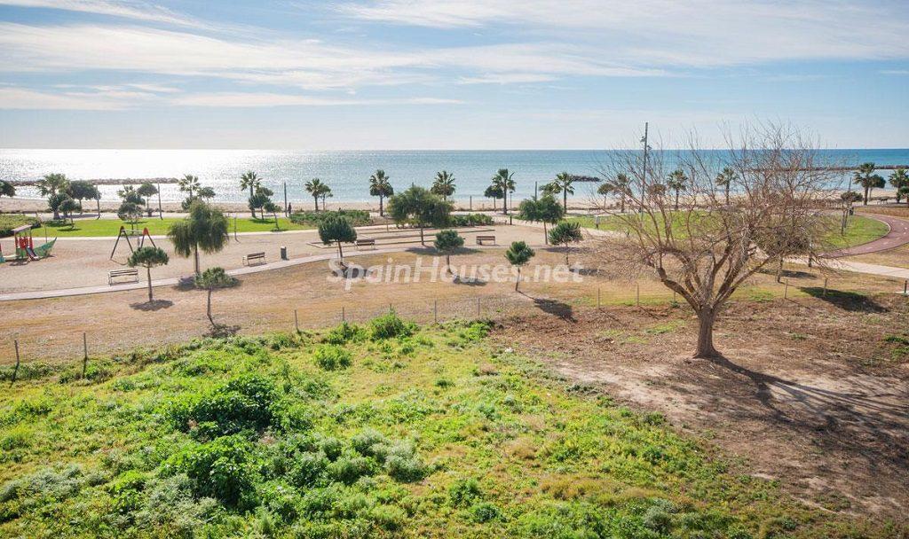 vistas 1 1024x608 - Diseño escandinavo en una soleada casa junto a la playa en Cambrils (Costa Dorada)