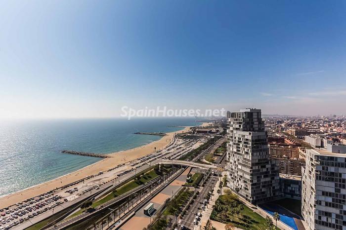 vistas barcelona - Lujo en el cielo de Barcelona en un espectacular ático de diseño en Diagonal Mar