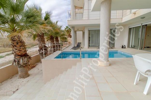 vistas casa - La casa de tus sueños es este chalet de lujo en Alicante situado junto al mar