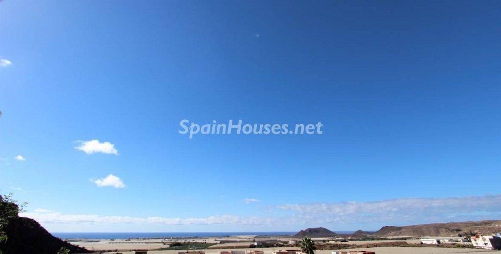 vistas exterior 1024x519 - Sabor canario en una fantástica casa con piscina y jardin en Arona (Tenerife)