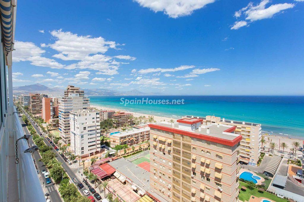 Veranos de luz y vistas al mar en un piso en Playa de San Juan (Alicante, Costa Blanca)