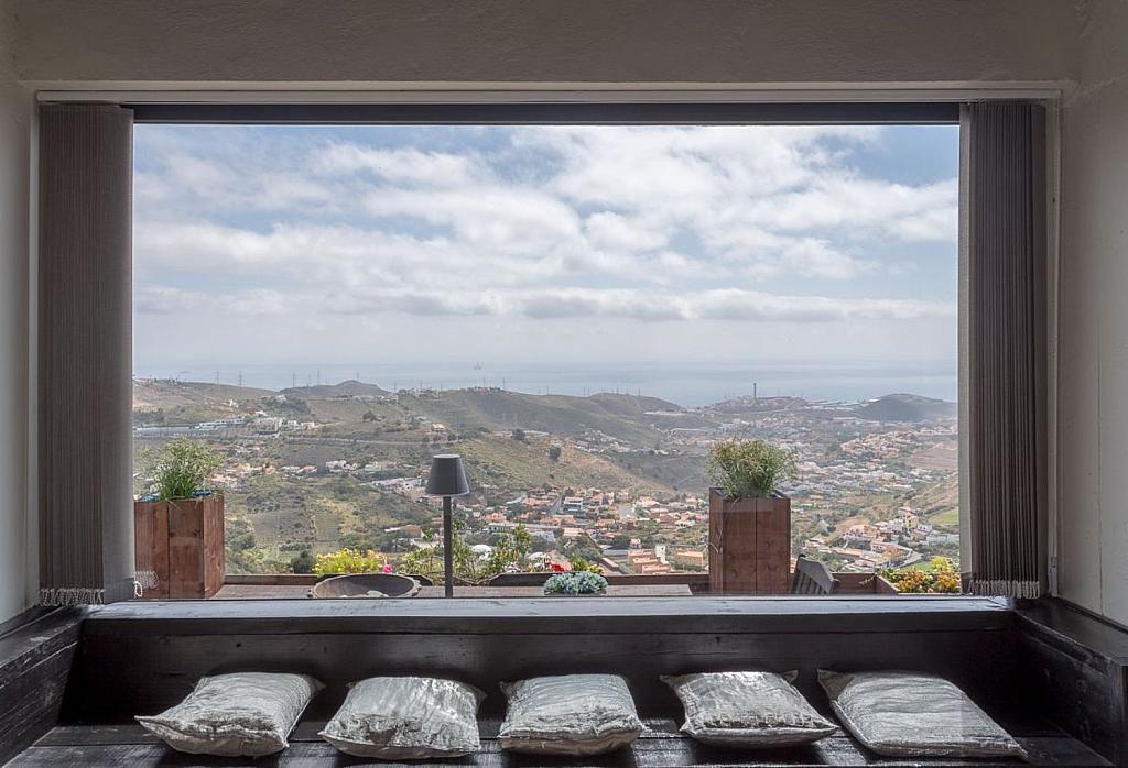vistas rincondelectura 1024x698 - Elegante y sereno toque otoñal en una bonita casa en Tafira, Las Palmas de Gran Canaria