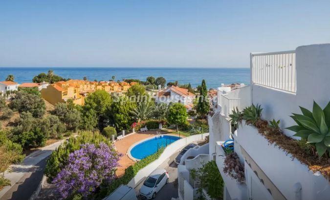 vistas urbanizacion - Luz, sol y mar en un precioso chalet en alquiler en Benajarafe (Costa del Sol, Málaga)
