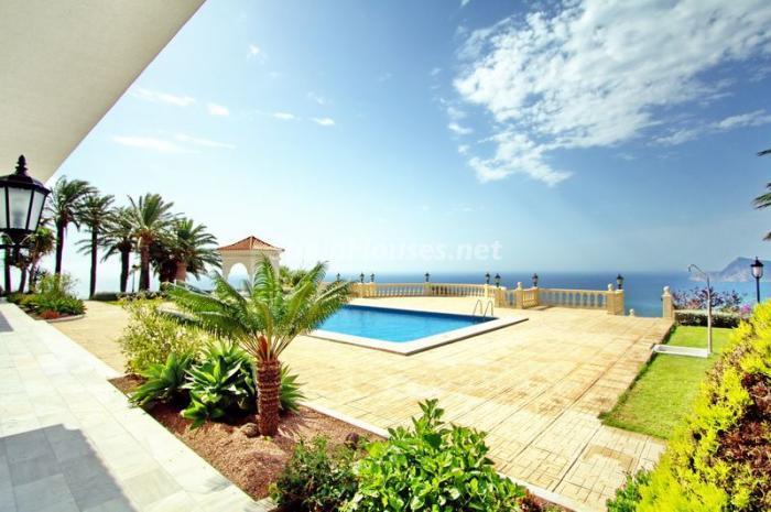 vistasypiscina - Casa de la Semana: Espectacular villa palaciega en Altea, Costa Blanca