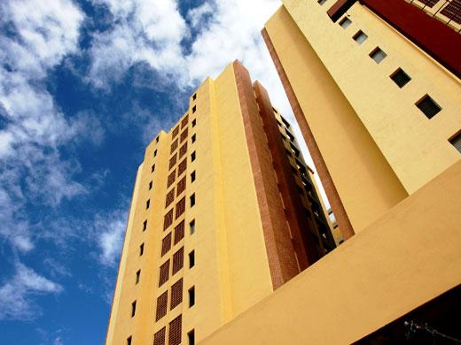 vivienda precios - El 2011 será otro mal año si no se ajusta más el precio de las viviendas en España