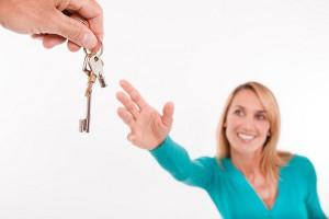 viviendaenalquiler 300x200 - El precio de los pisos en alquiler bajan en octubre y ya van 19 meses de descensos