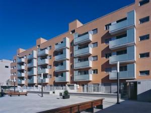 viviendas2 300x225 - El precio de la vivienda en España permanecerá estancado durante 14 años