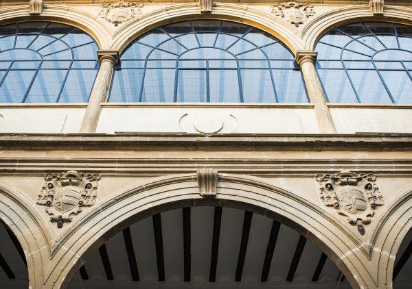 window 1747717 960 720 600x422 - La Junta de Andalucía subvencionará la rehabilitación de edificios municipales