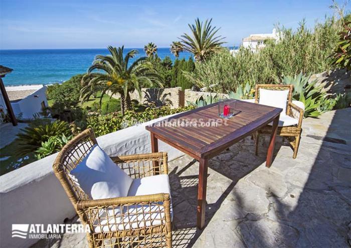 zaharadelosatunes costadelaluz - Vacaciones de verano: 11 apartamentos en alquiler económicos para disfrutar en la playa