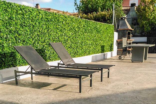 zona barbacoa chalet barcelona - Este chalet en Barcelona lo tiene todo para disfrutar de la naturaleza y de la vida